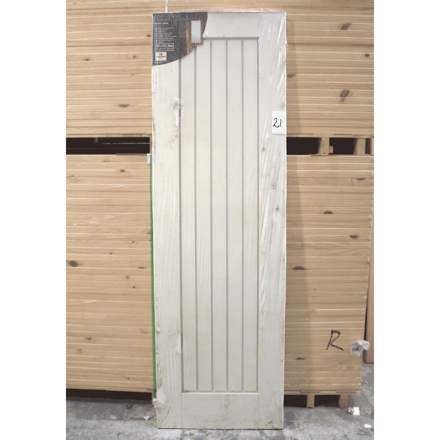 clearance door 21